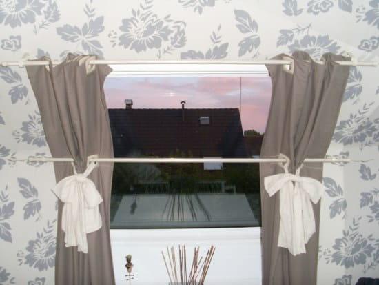 Hervorragend Comment mettre un rideau sur un velux ? [Résolu] DN99