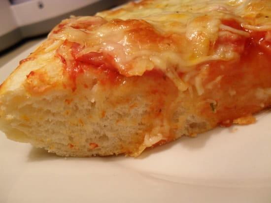 je recherche une pâte à pizza moelleuse résolu