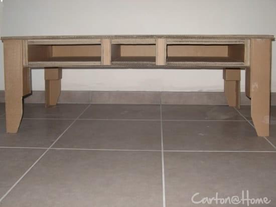 fabriquer une table basse en carton loisirs cr atifs diy. Black Bedroom Furniture Sets. Home Design Ideas
