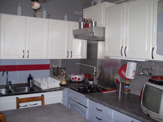 comment relooker des meubles de cuisine rustiques rsolu - Relooker Une Cuisine Rustique En Moderne