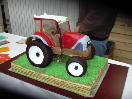 recherche idee pr gateau anniversaire enfant theme tracteur. Black Bedroom Furniture Sets. Home Design Ideas