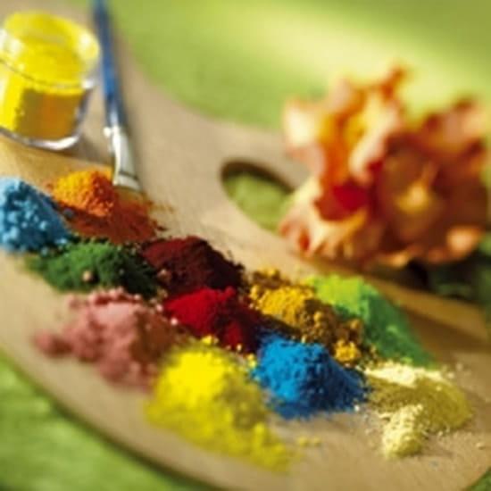 bonjour tu peux en trouver de toutes les couleurs liquide en pate en aerosol ou en poudre avec ou sans paillettes cette adresse - Ou Trouver Du Colorant Alimentaire En Poudre
