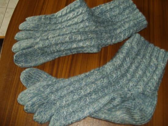 Comment tricoter des mitaines avec plusieurs aiguilles - Comment tricoter des mitaines avec doigts ...