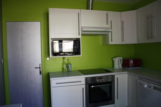 Quelle couleur de mur pour ma cuisine vert anis avec plan de travail noir r solu couleur for Plan de travail vert anis