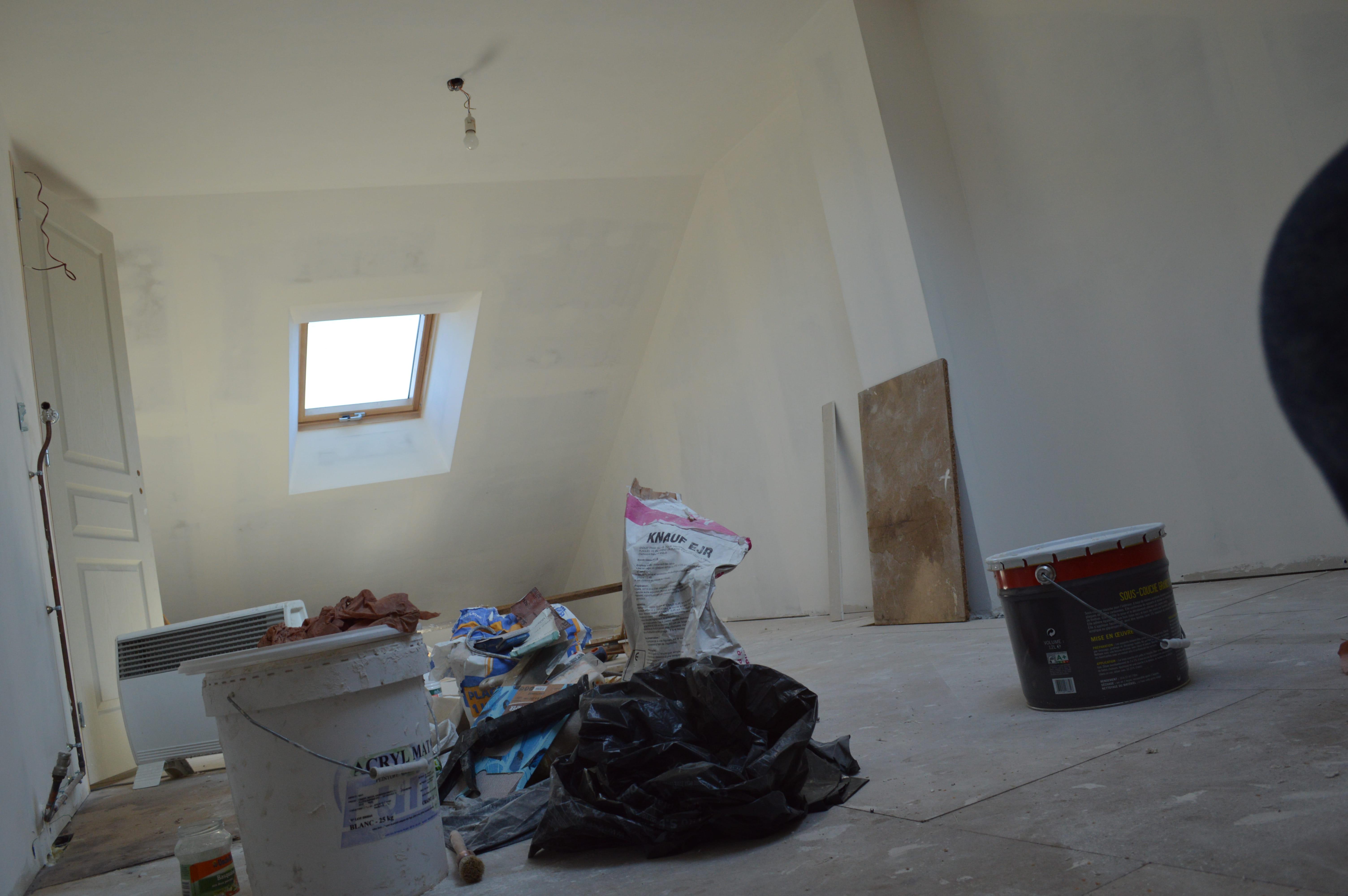 quelles couleurs pour ma chambre sous les combles. Black Bedroom Furniture Sets. Home Design Ideas
