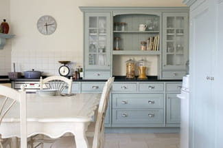 Relooker ma cuisine en ch ne r solu - Peinture pour meubles de cuisine en bois verni ...