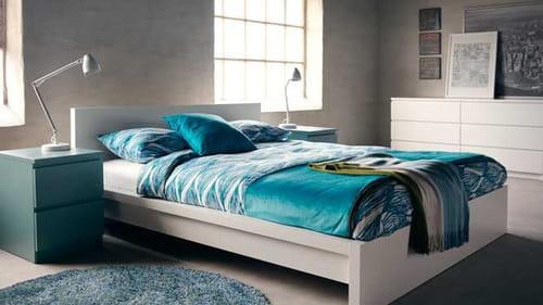 Chambre en bleu et blanc - Idées déco, aménagement